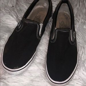 Black slip on vans !